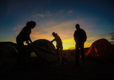 Aufbau der Zelte in Peru.